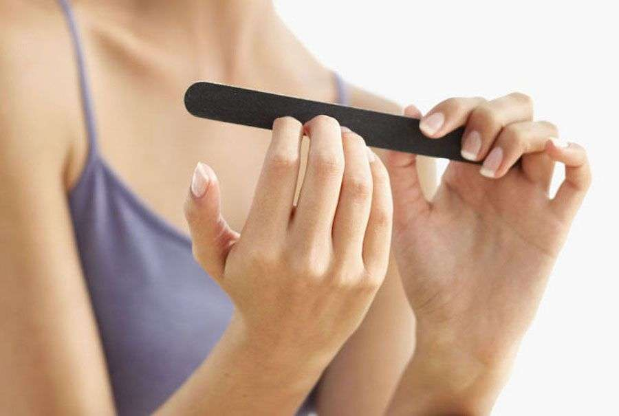 How To Take away Acrylic Nails At House